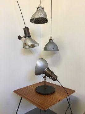 Wall mounted Gecoray lamp