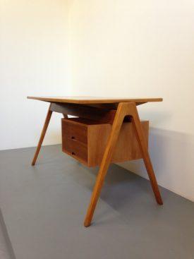 Robin Day Desk