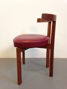 Peter Hvidt red chair