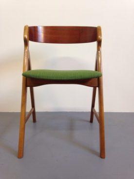 Green Henning Kjænulf chairs