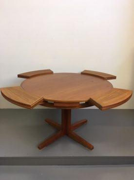 Dyrlund Flip-Flap table