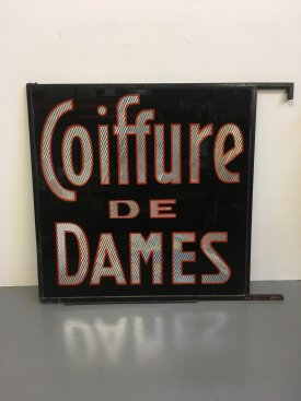 Coiffure De Dames sign