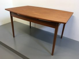 Oval Extending Table
