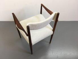 Robert Heritage Knightsbridge Chair