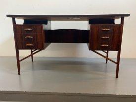 CC Mobler Desk