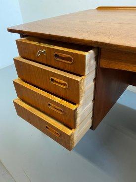 Svend Åge Madsen Teak Desk