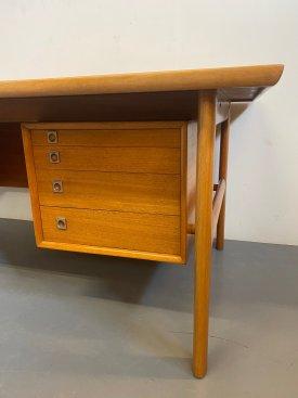 Arne Vodder Executive Desk